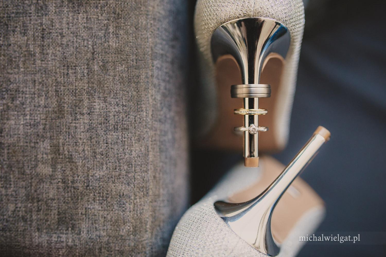 zdjęcie detali ślub obrączki